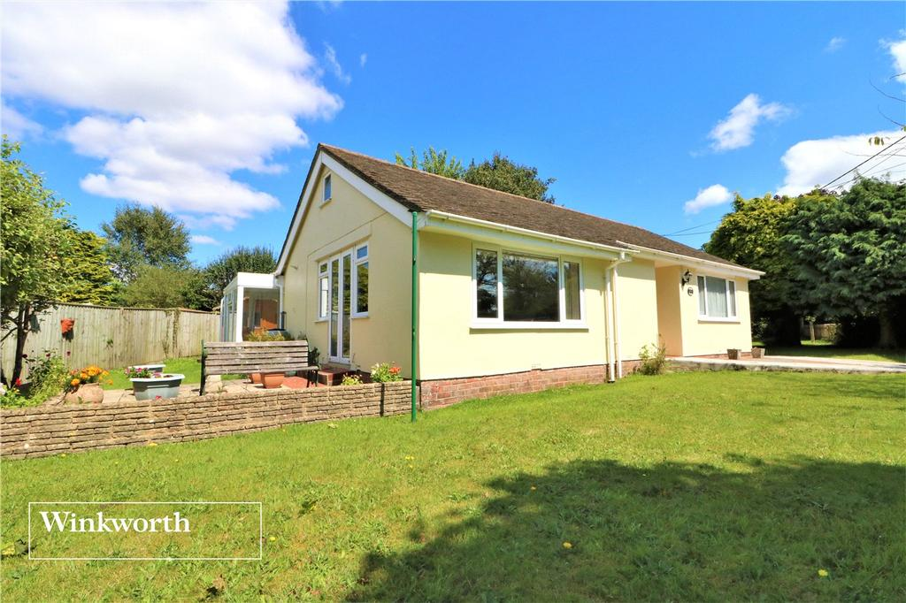 2 Bedrooms Detached Bungalow for sale in Hollies Close, Sway, Lymington, Hampshire, SO41