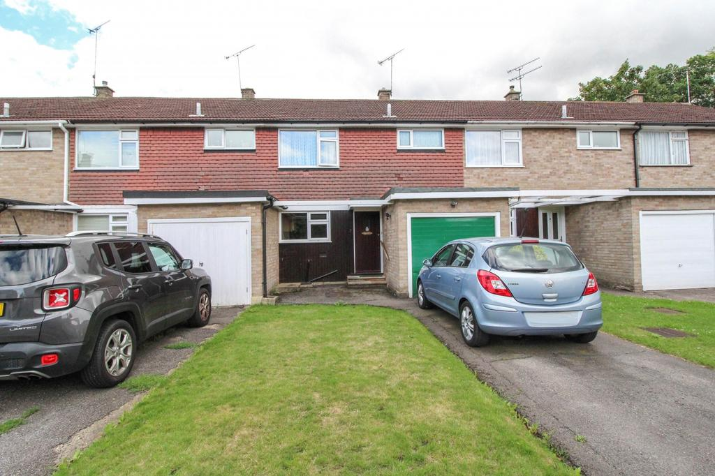 3 Bedrooms Terraced House for sale in Northend, Warley, Brentwood, Essex, CM14