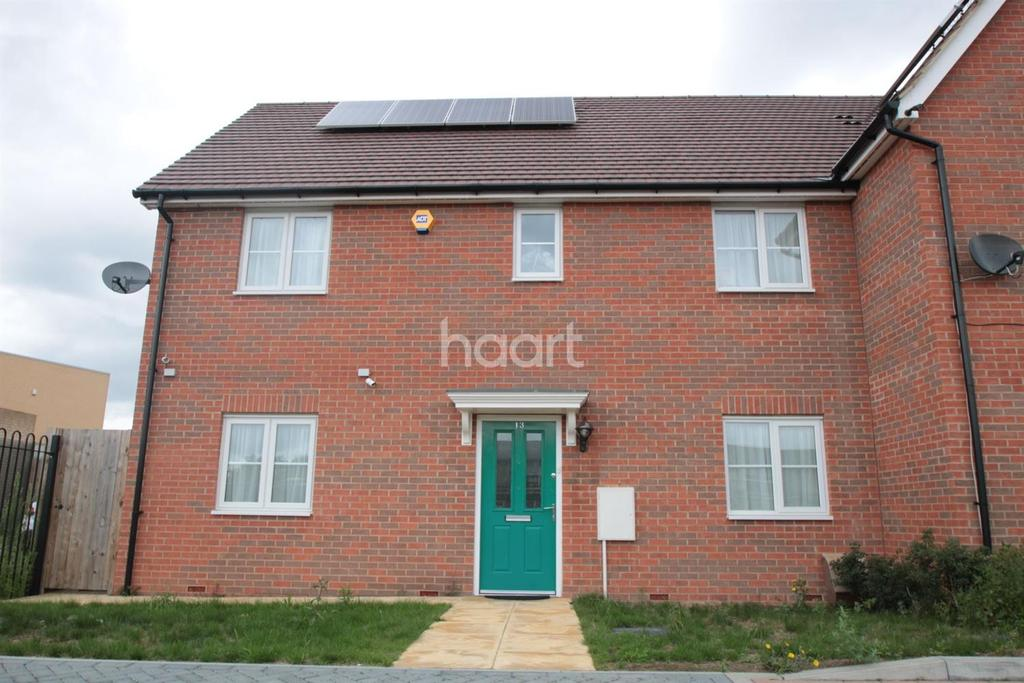3 Bedrooms Semi Detached House for sale in Sudbury Close, Harold Hill