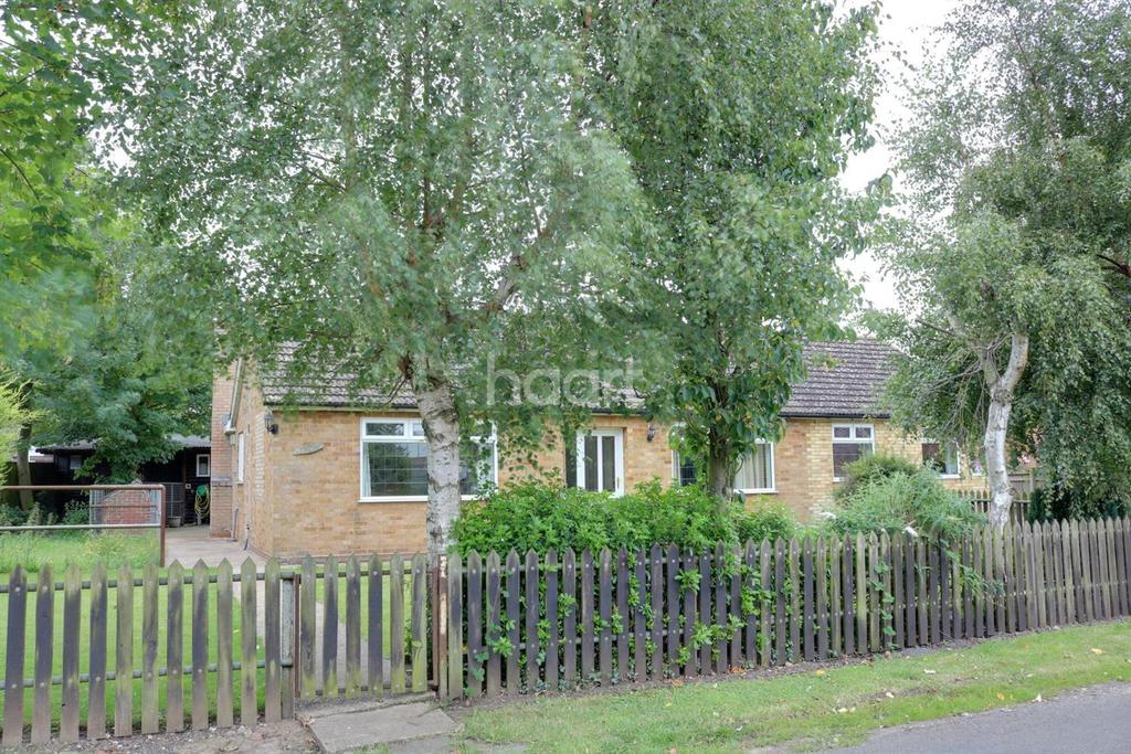 4 Bedrooms Bungalow for sale in Chalk Road, Walpole St Peter