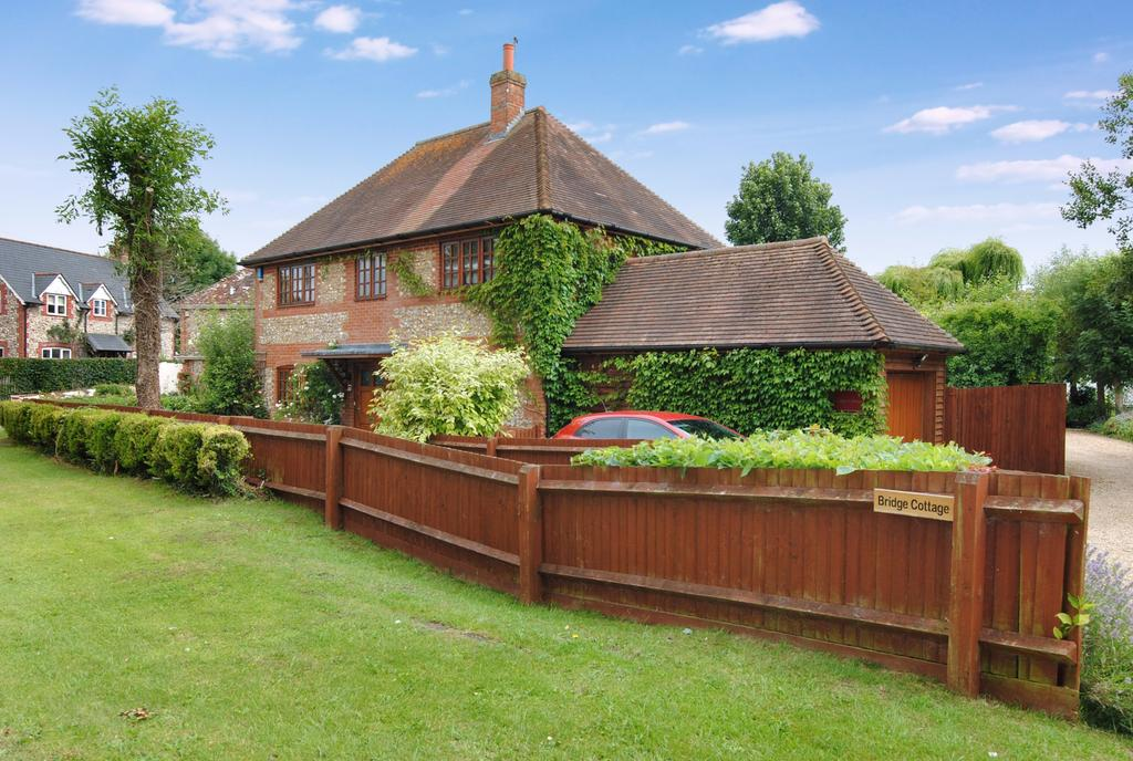 4 Bedrooms Detached House for sale in Shrewton