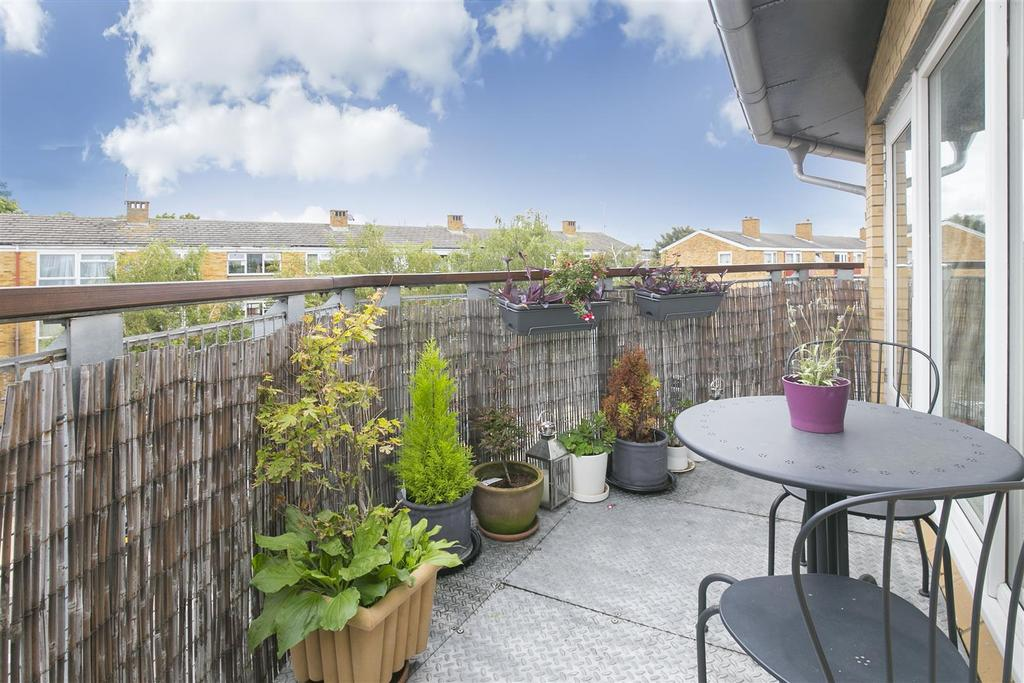 2 Bedrooms Flat for sale in Nelson Grove Road, South Wimbledon, SW19