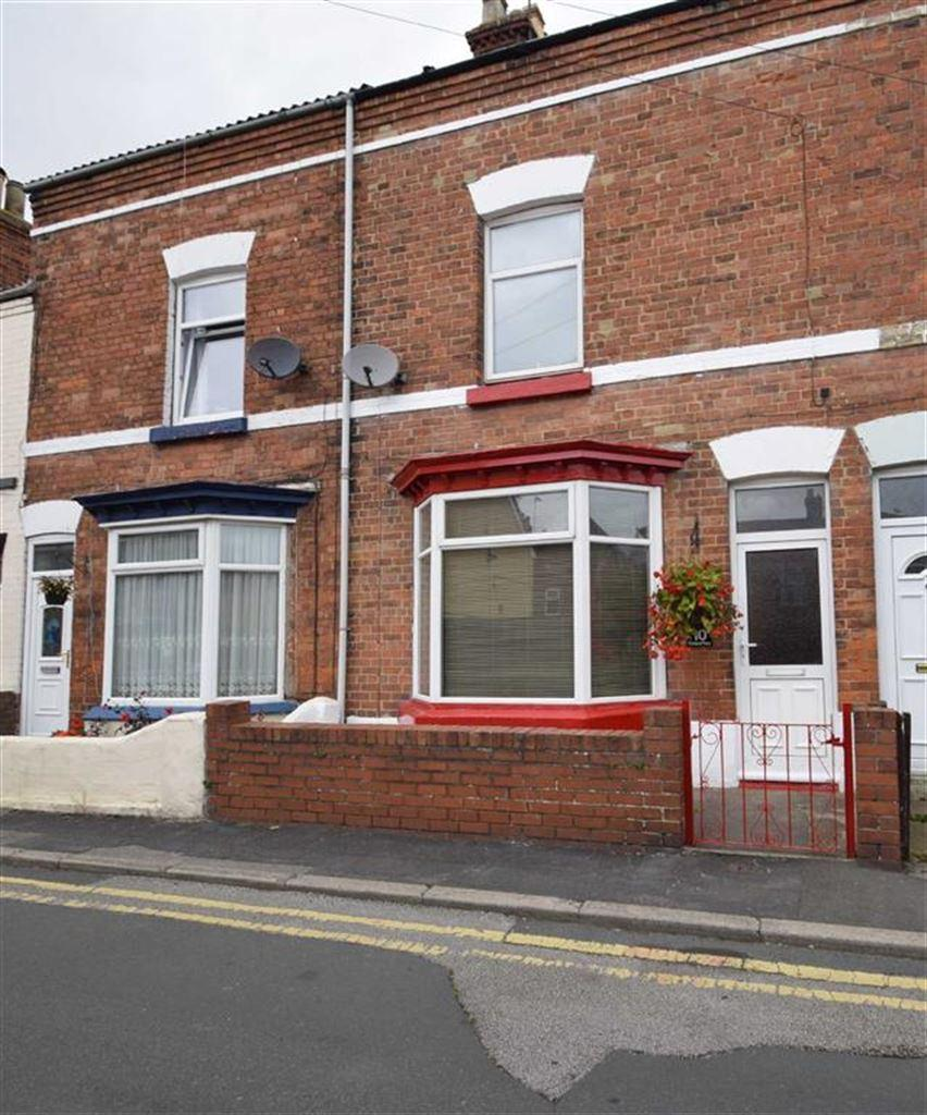 3 Bedrooms Terraced House for sale in Portland Place, Bridlington, East Yorkshire, YO16