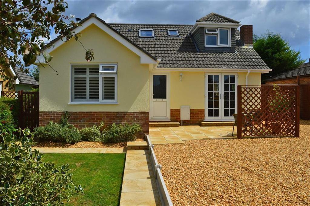 3 Bedrooms Chalet House for sale in Merley Ways, Wimborne, Dorset