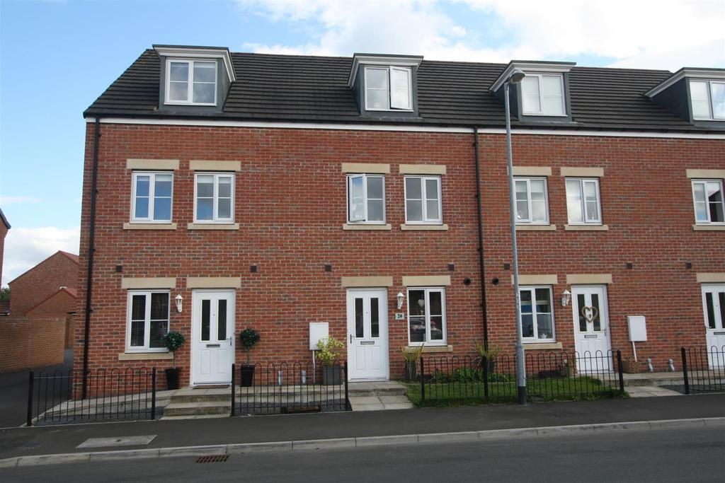3 Bedrooms Terraced House for sale in Leach Grove, Darlington