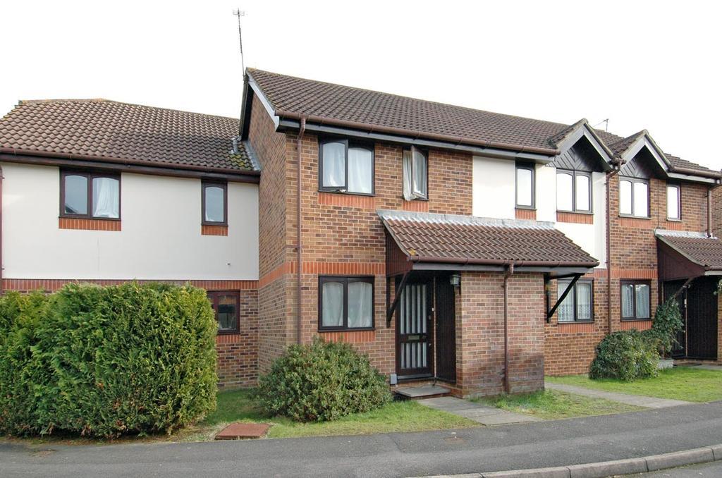 2 Bedrooms Terraced House for sale in Sandringham Road, Petersfield GU32