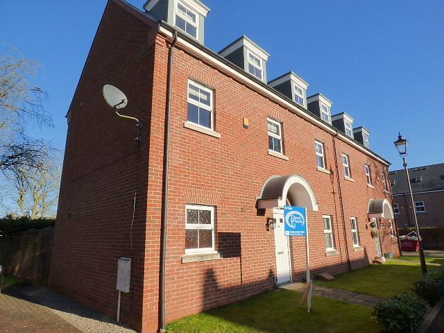 4 Bedrooms House for sale in Swinhoe Place, Culcheth, Warrington