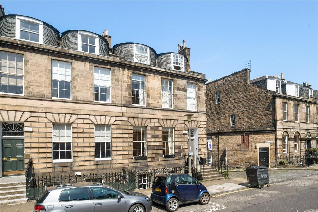 2 Bedrooms Flat for sale in 40A Albany Street, New Town, Edinburgh, EH1