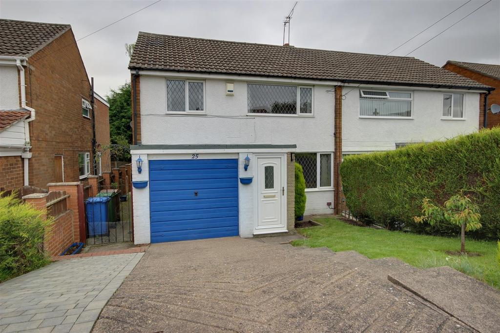 3 Bedrooms Semi Detached House for sale in Dalesway, Kirk Ella, Hull