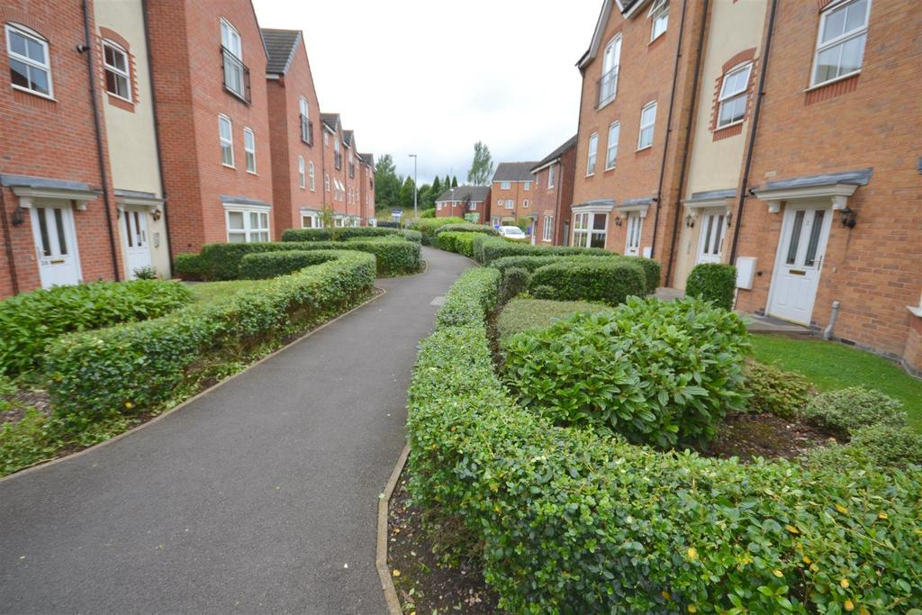 2 Bedrooms Flat for sale in Archers Walk, Trentvale, Stoke-On-Trent