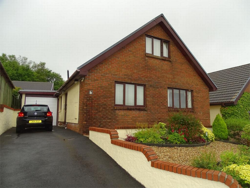 3 Bedrooms Detached Bungalow for sale in 6 Parc Newydd, Foelgastell, Llanelli, Carmarthenshire