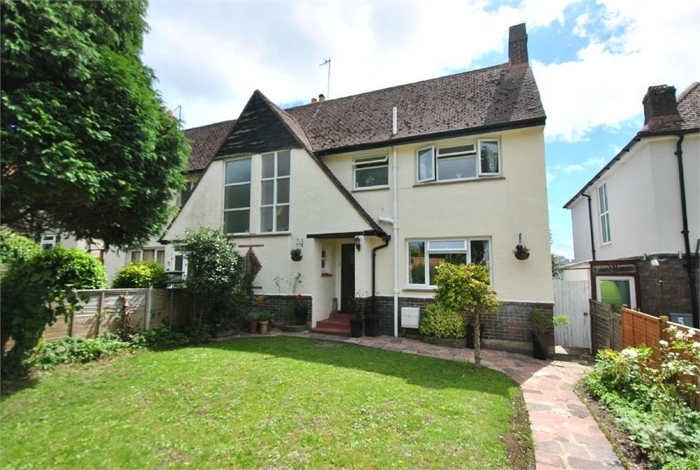 3 Bedrooms Semi Detached House for sale in Highfield Gardens, BEXHILL-ON-SEA, East Sussex