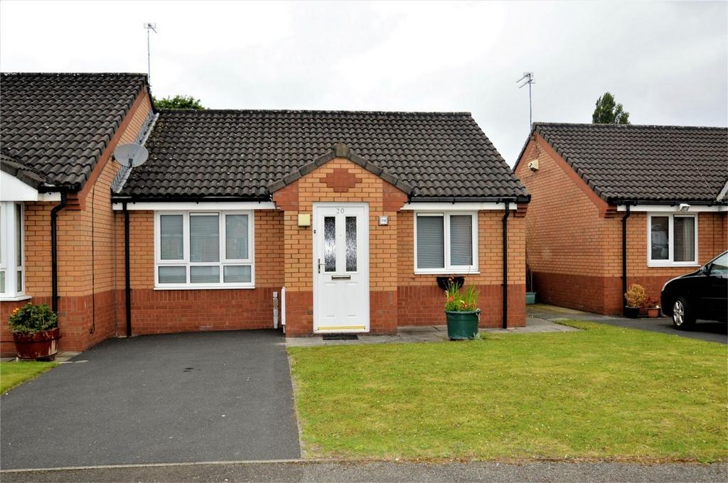 2 Bedrooms Semi Detached Bungalow for sale in Downham Walk, MANCHESTER