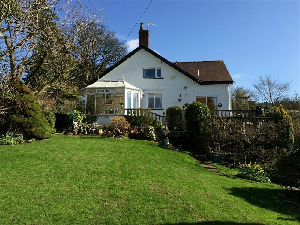 4 Bedrooms Detached House for sale in Moor Lane, Wiswell, Clitheroe, Lancashire