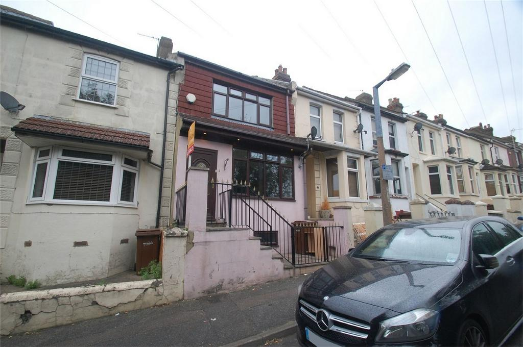 4 Bedrooms Terraced House for sale in Imperial Road, Gillingham, Kent