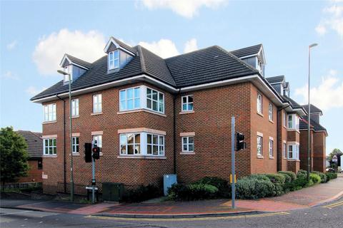 Houses and apartments for sale : Woking - en.arkadia.com
