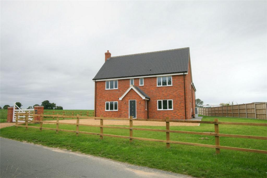 4 Bedrooms Detached House for sale in The Street, NR17 1UX, Rocklands, Attleborough, Norfolk