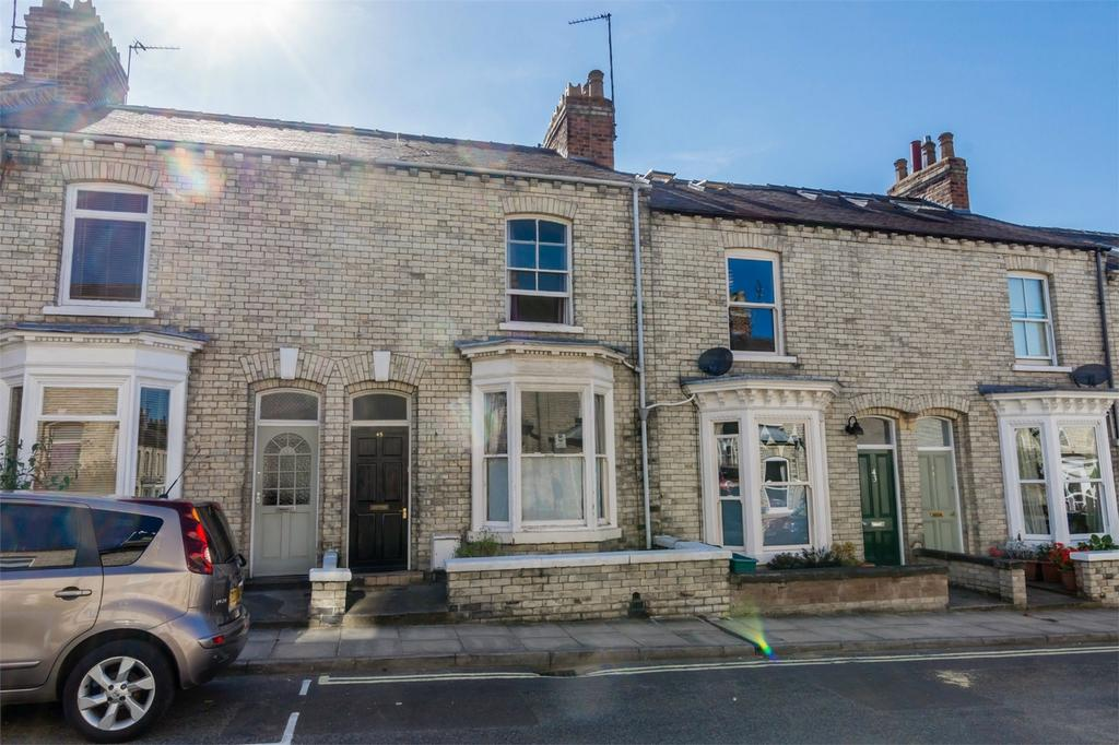 2 Bedrooms Terraced House for sale in Thorpe Street, Scarcroft Road, York