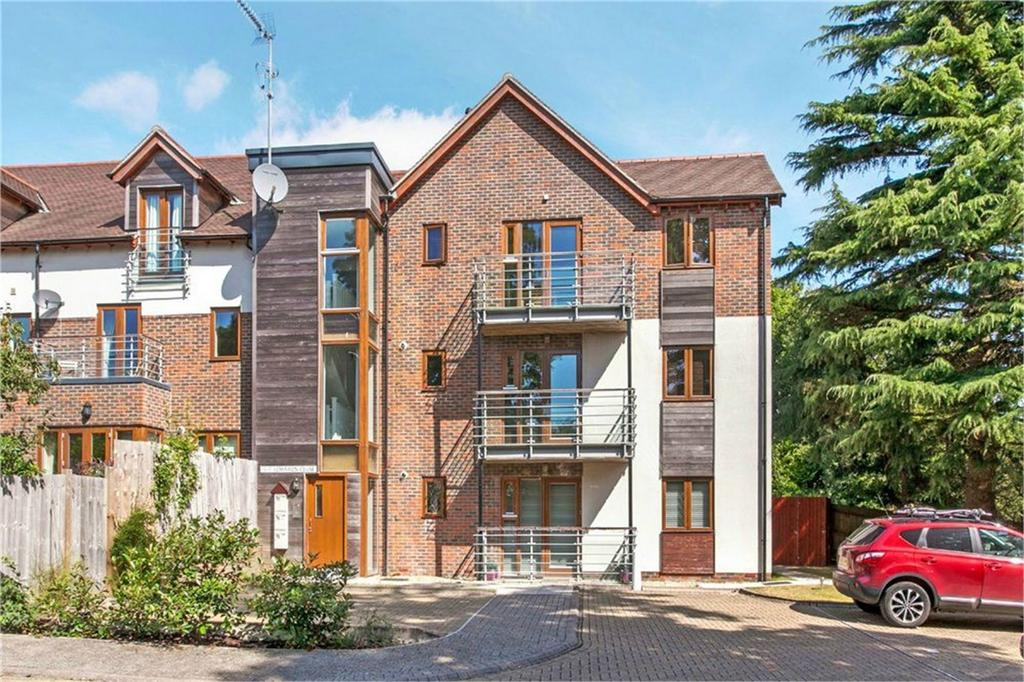 1 Bedroom Flat for sale in Kings Worthy, Winchester, Hampshire