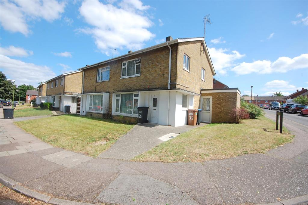 4 Bedrooms Semi Detached House for sale in Feather Dell, Hatfield