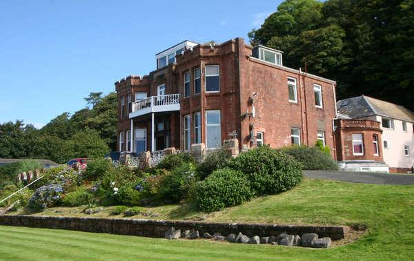 2 Bedrooms Flat for sale in 'Mirimar', Flat 6, 21 Shore Road, Skelmorlie, PA17 5EH