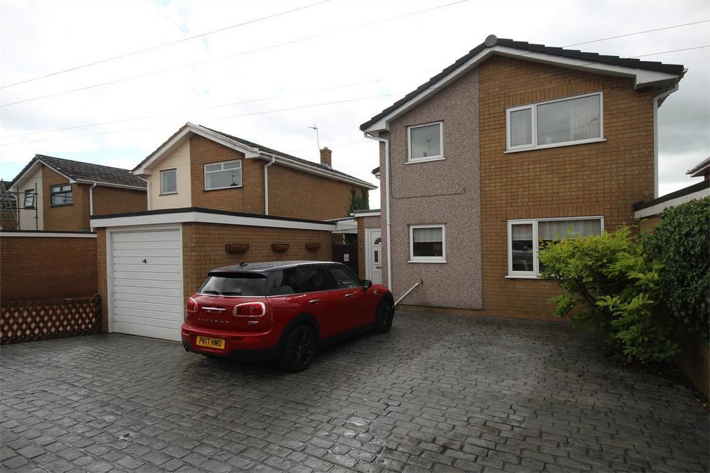 3 Bedrooms Detached House for sale in Manor Drive, Buckley, Flintshire