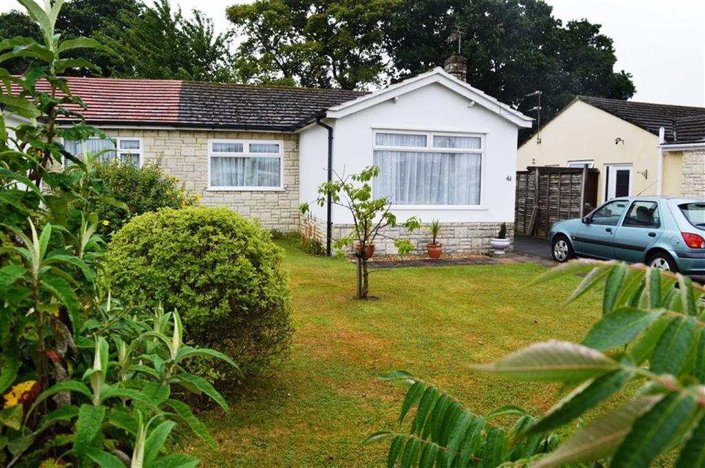 2 Bedrooms Semi Detached Bungalow for sale in Foxcroft Drive, Wimborne, Dorset