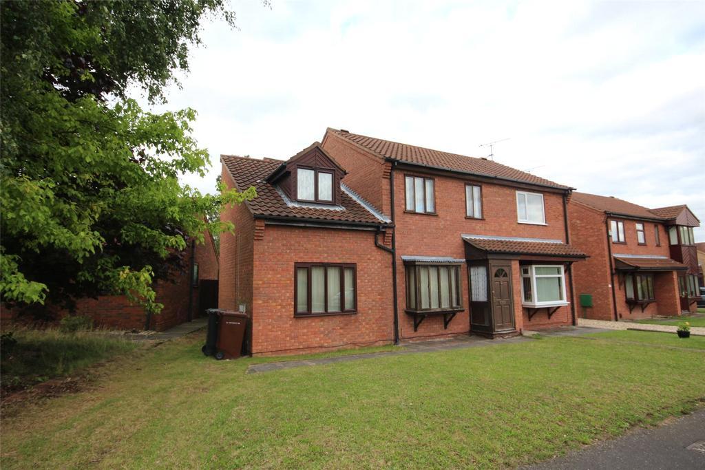 4 Bedrooms Semi Detached House for sale in Winthorpe Road, Doddington Park, LN6