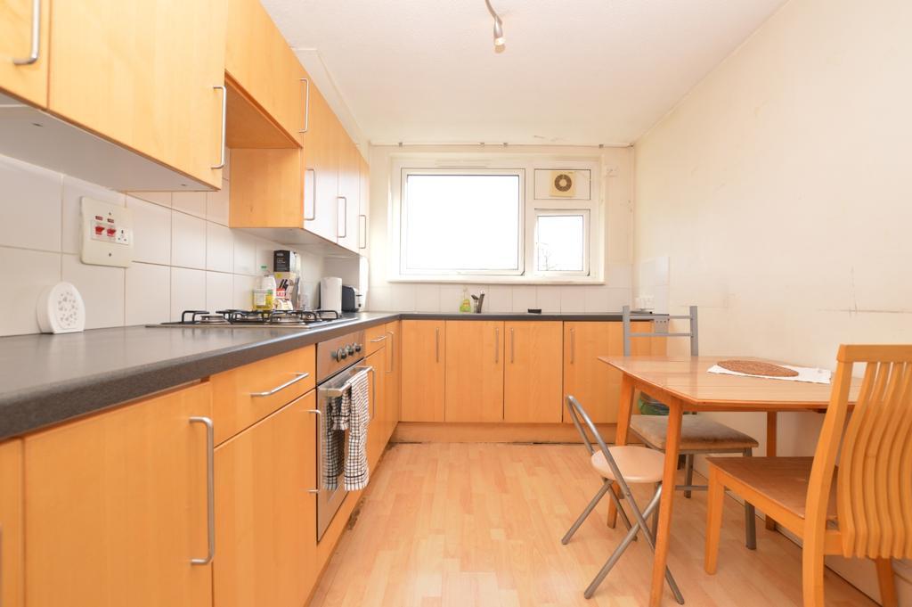 1 Bedroom Flat for sale in Roman Way Peckham SE15