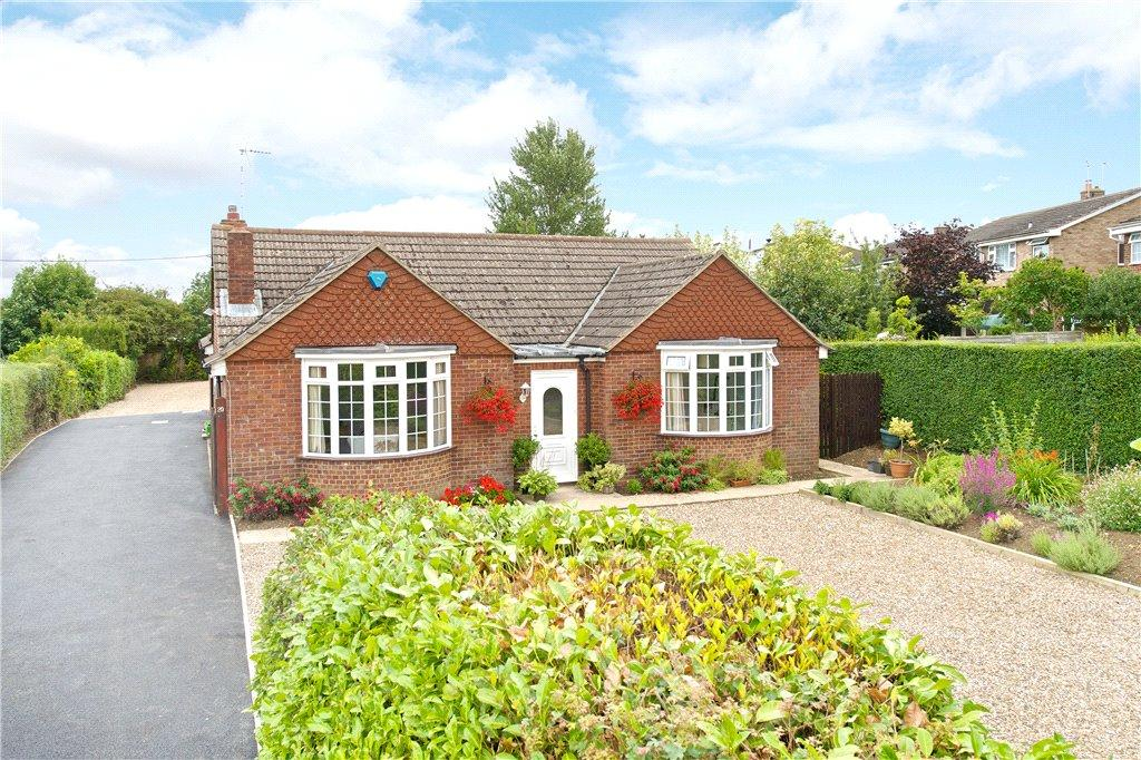 4 Bedrooms Detached Bungalow for sale in Whaddon Road, Newton Longville, Milton Keynes, Buckinghamshire