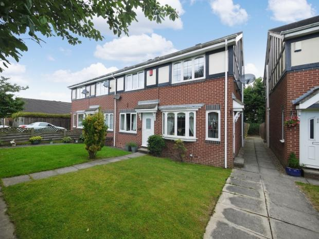 2 Bedrooms End Of Terrace House for sale in Birk Lane Morley Leeds