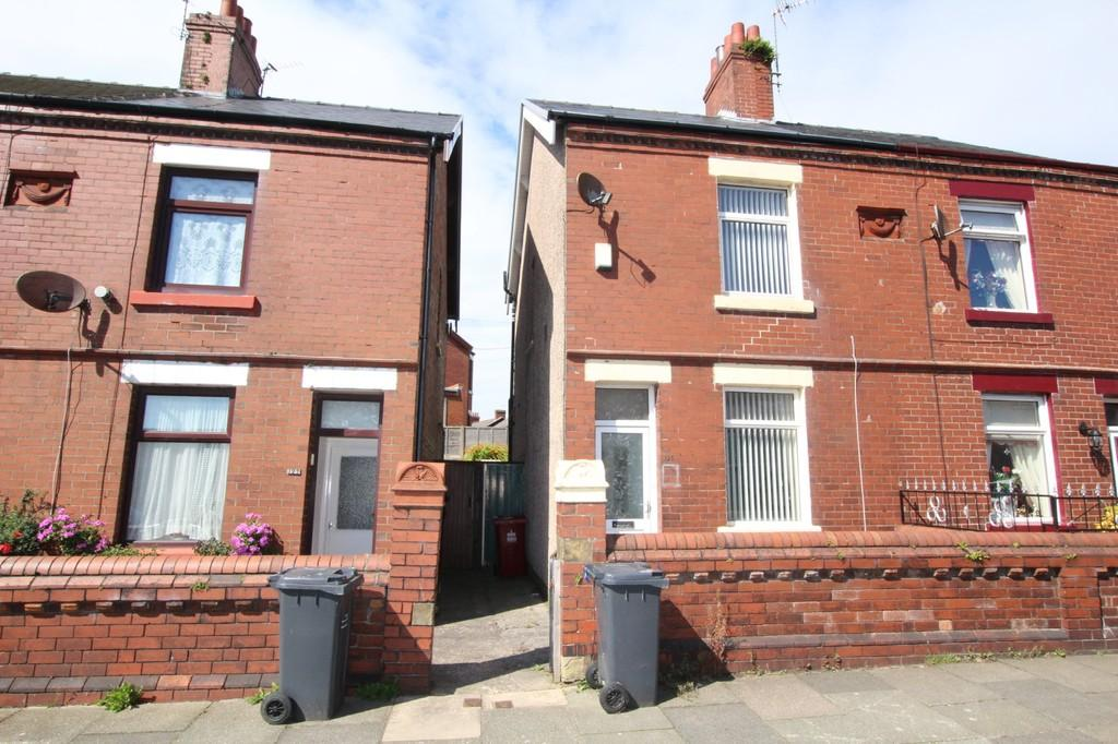 2 Bedrooms Semi Detached House for sale in Salthouse Road, Barrow-In-Furness