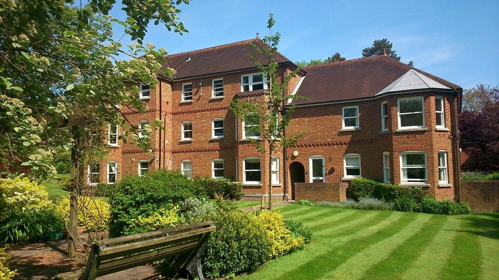 2 Bedrooms Flat for sale in St Cross