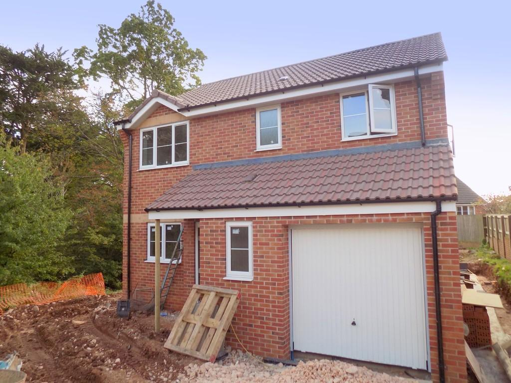 4 Bedrooms Detached House for sale in Dryden Close