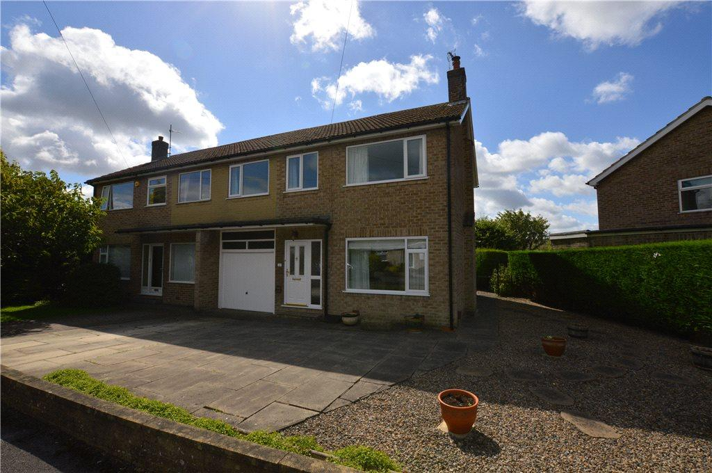 4 Bedrooms Semi Detached House for sale in Wentworth Drive, Harrogate, North Yorkshire