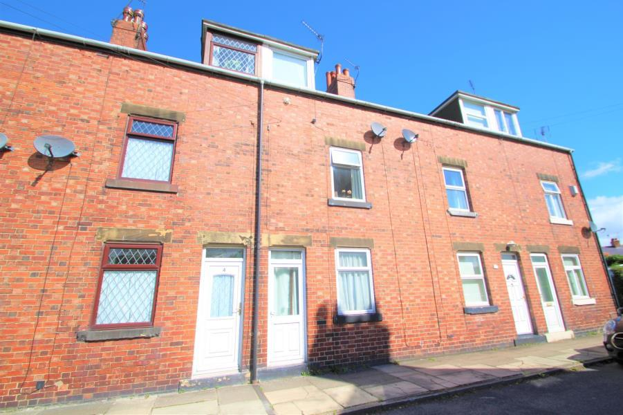 3 Bedrooms Terraced House for sale in SANDFIELD TERRACE, TADCASTER, LS24 8AW