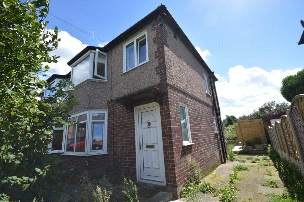 3 Bedrooms Semi Detached House for sale in Hawthorn Grove, Rodley, Leeds