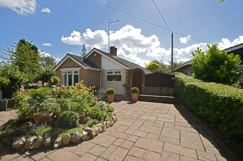 3 Bedrooms Detached Bungalow for sale in High Common, Swardeston