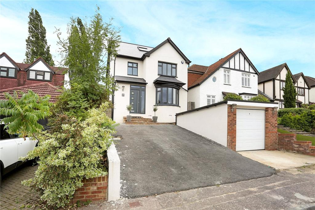 4 Bedrooms Detached House for sale in Blackacre Road, Theydon Bois, Epping, Essex, CM16