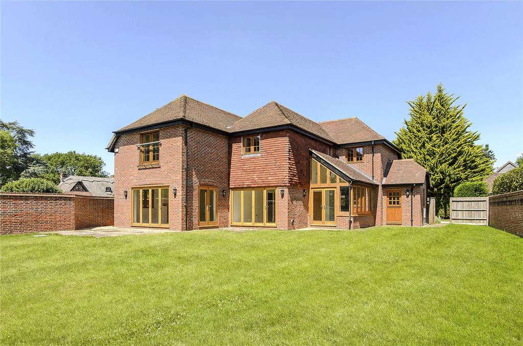 4 Bedrooms Detached House for sale in Pilcot Hill, Dogmersfield, Hook, Hampshire
