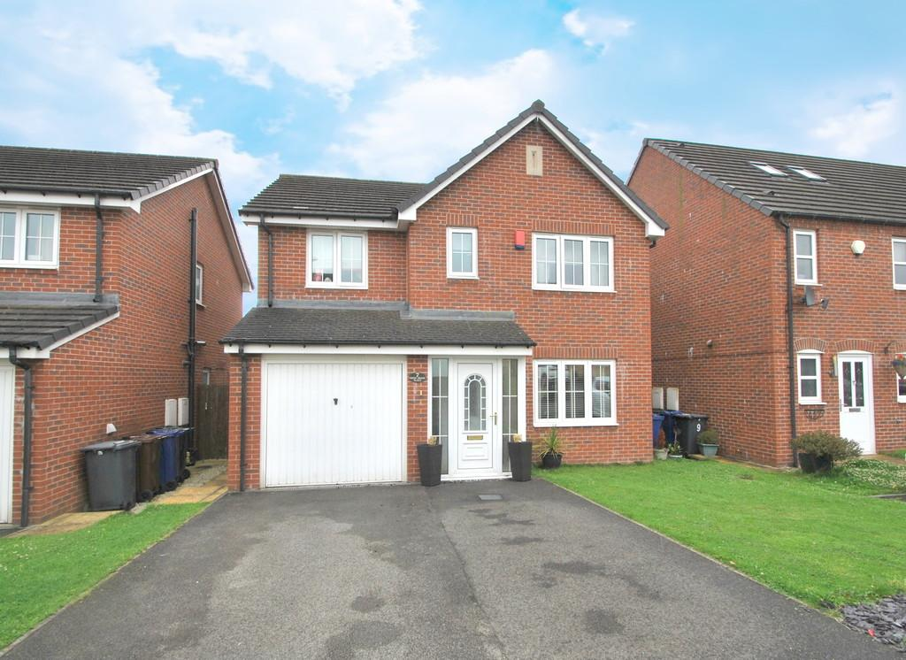 4 Bedrooms Detached House for sale in Green Brook Place, Penistone, Sheffield, S36 6EQ