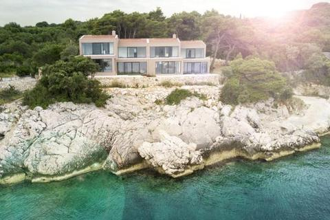 4 bedroom house  - Seafront Villa, Island Of Kolocep, Croatia