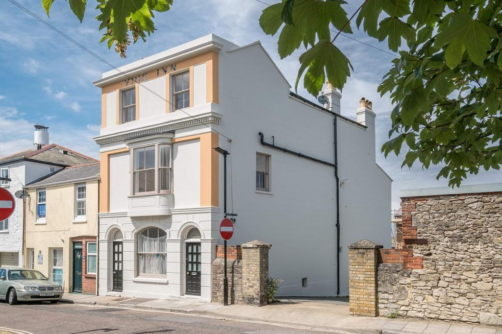6 Bedrooms Semi Detached House for sale in Ryde, Isle Of Wight