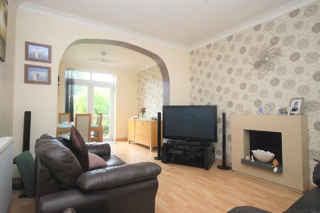 3 Bedrooms Detached House for sale in Bowling Green Road, Hinckley