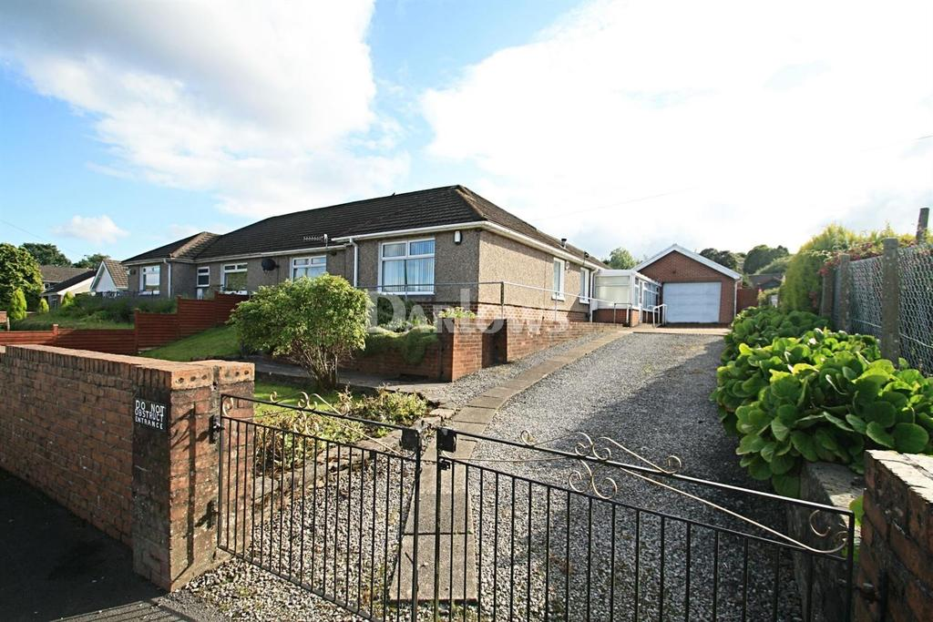 3 Bedrooms Bungalow for sale in Stockton Way, Tredegar, Gwent