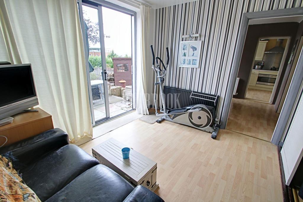 4 Bedrooms Detached House for sale in Dovedale Road, Herringthorpe