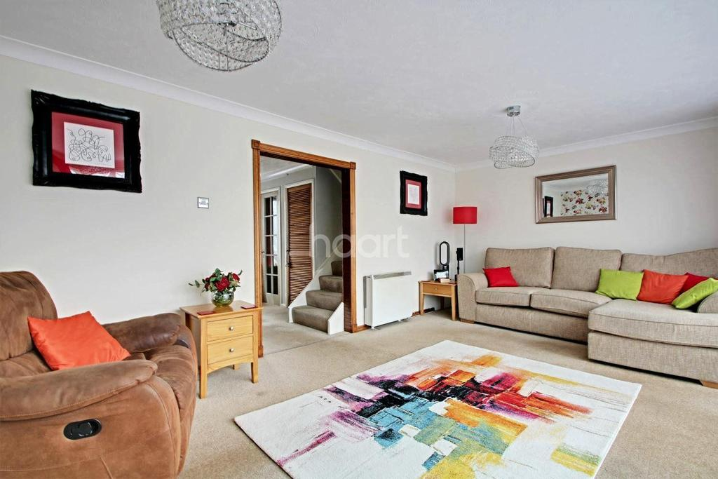 3 Bedrooms Terraced House for sale in Barrie Pavement, Wickford
