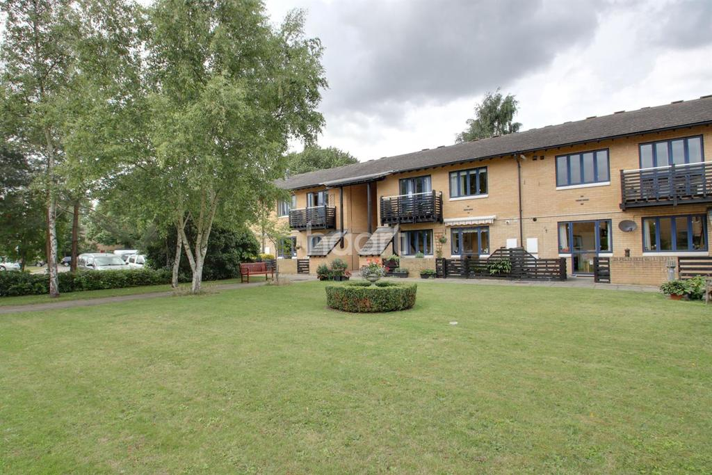 1 Bedroom Flat for sale in Ely Place, Monkswell, Trumpington