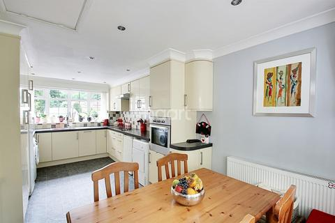 3 bedroom semi-detached house for sale - Crabb Tree Drive, Northampton