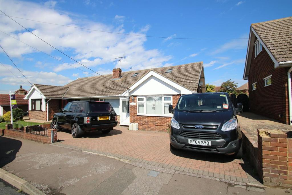 4 Bedrooms Bungalow for sale in Minster Road